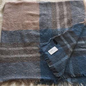 Blanket scarf - NWT